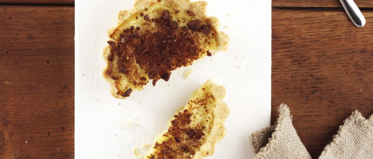 Crostatine alla crema e briciole di frollino
