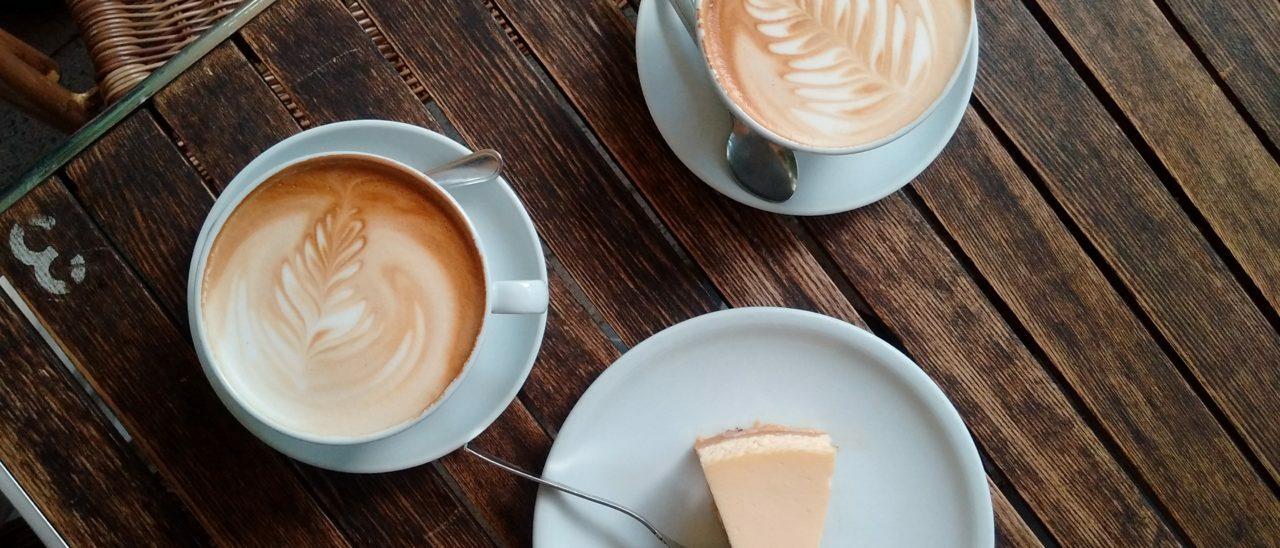 Torta allo yogurt e caffè